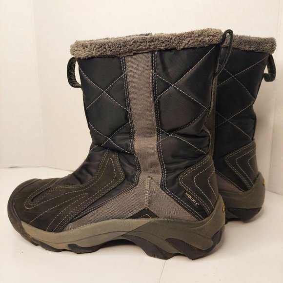 Keen Betty Boots Size 9 Quilted Waterproof Insulat